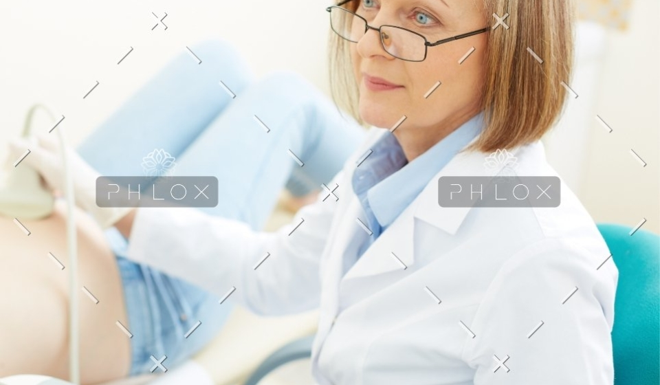 demo-attachment-502-obstetrician-at-work-PNT4KUF